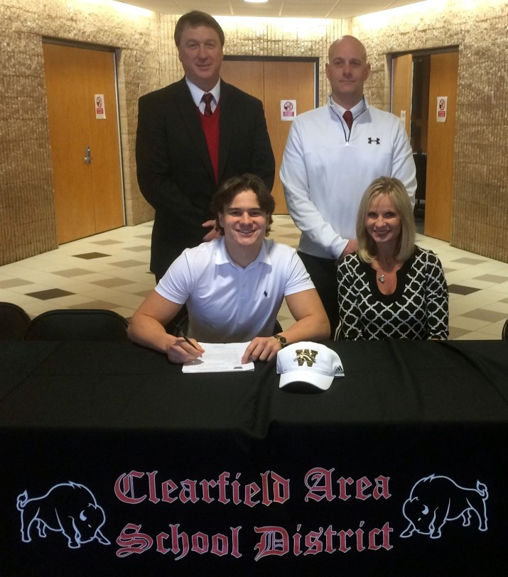 National Signing Day 2017 Ryan Lezzer_renamed_13610